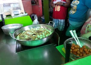 Tokneneng, Kwek-Kwek, Fishballs, and Squid Balls! Who Can Resist?